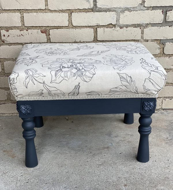 Learn how to paint, stamp and upholster your own footstool at extendinggrace.net